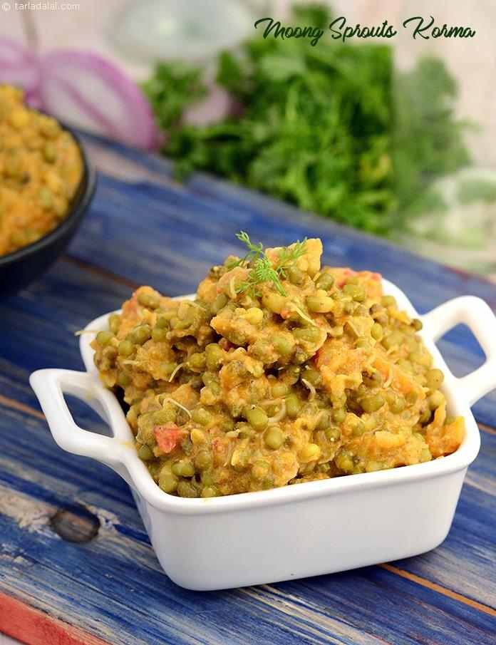 Moong sprouts korma, a sprout subzi in wholesome tomato based gravy. Taste great with rotis and kadhi.