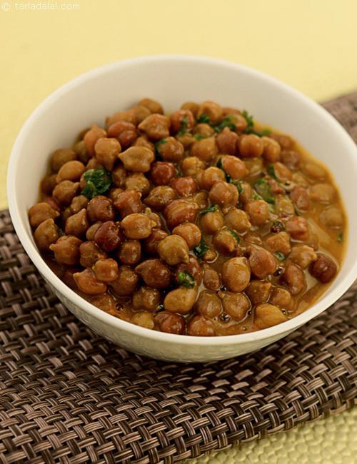 Rasawala Chana, a Gujarati specialty tangy and sweet.